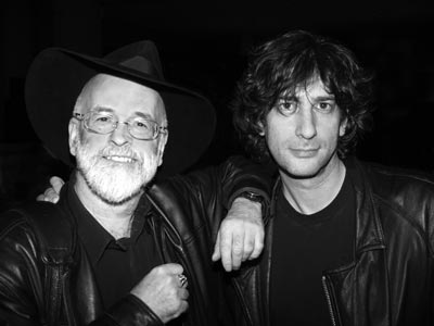 Terry Pratchett e Neil Gaiman