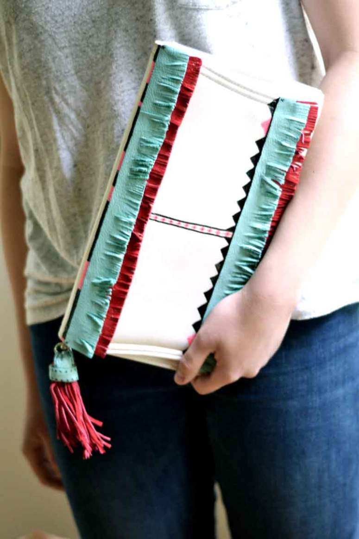 How to create a diy fringe bag