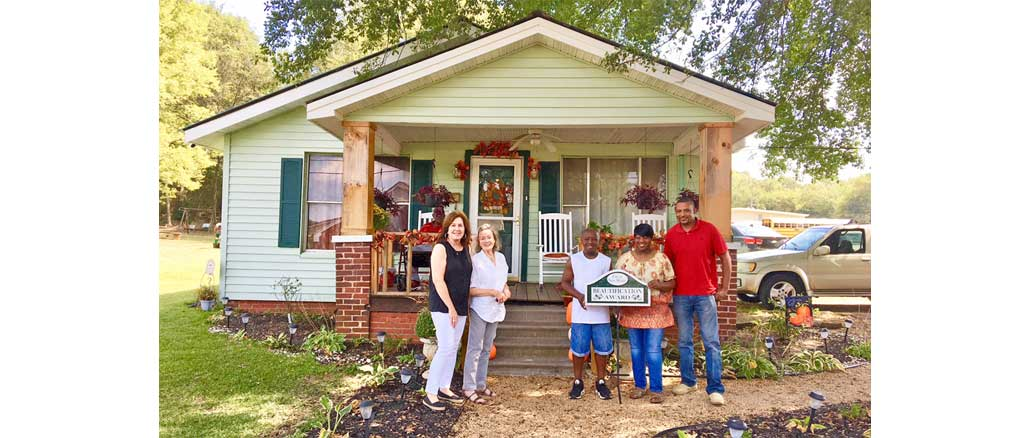 New Albany MS Caviness home beautification award