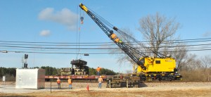 NEMiss.News BNSF crane at Tallahatchie River