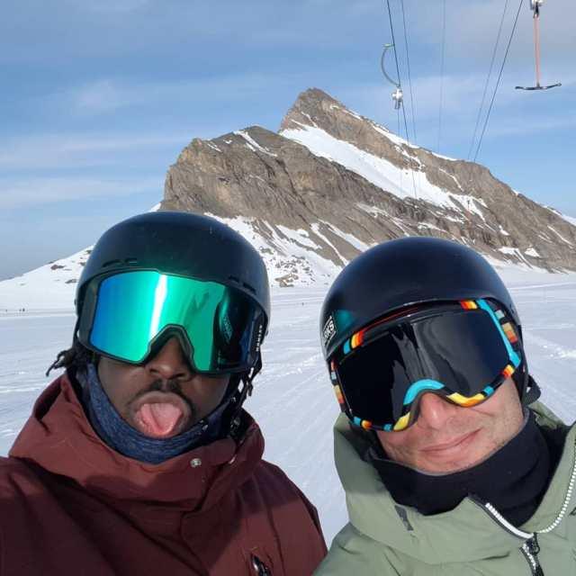 #07112020 #glacier3000 #frisek #beccadaudon #oldehore @snowpark_glacier3000 @glacier3000.ch @frisek  @moussafrisek @haewear