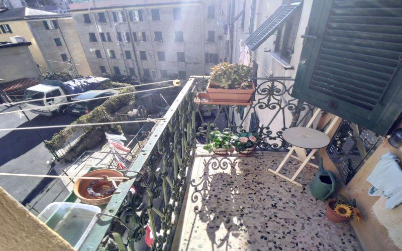 Genova Certosa – Via Castelluccio 5 vani con terrazzo
