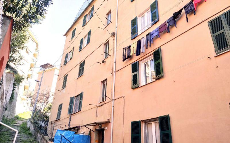Genova Certosa sal. Bersaglio – 5 vani alla genovese
