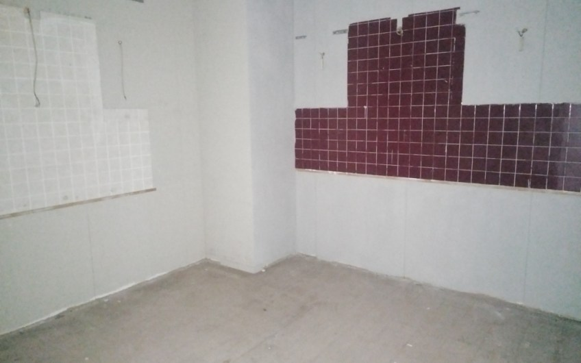 Locale commerciale / laboratorio / magazzino – Euro 45.000