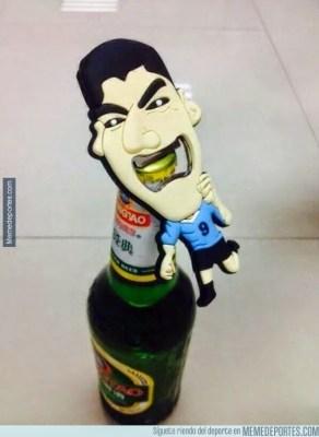 Memes y chistes de los Cuartos de Final: Mundial Brasil Destapador Luis Suárez