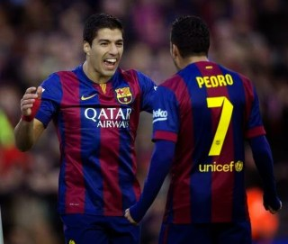 Barcelona 5-Córdoba 0. Jornada 16  Liga Española Luis Suárez festeja su primer gol en la Liga Española