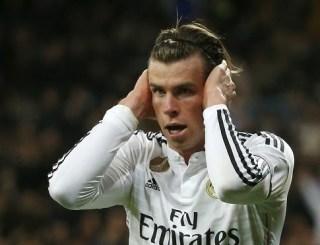 Gareth Bale festeja su primer gol tapandose los oidos real madrid levante Real Madrid 2-Levante 0. Jornada 27 Liga Española