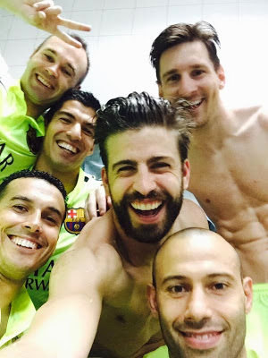 Las mejores imágenes del Barcelona Campeón de Liga Española 2015 selfie pique iniesta messi