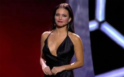 Elisa Mouliaá presentadora de la gala premios la liga 2015