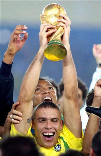 Ronaldo Nazario. Brasil