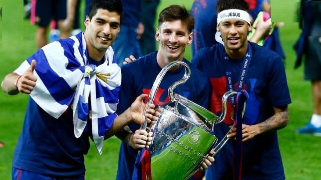 messi suarez y neymar con la champions 2015 de berlín