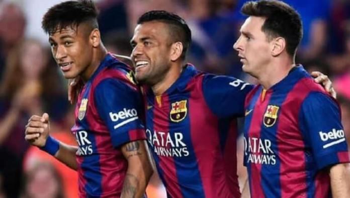 Neymar, Fábregas, Alves y Eto'o se suman a las crítcas de Messi a la directiva