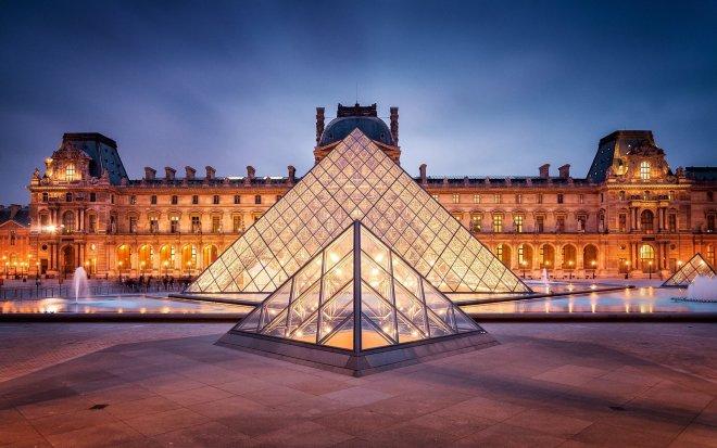 louvre piramidi - Places To Visit In Paris