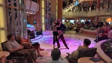 Tango Dancers, Piazza