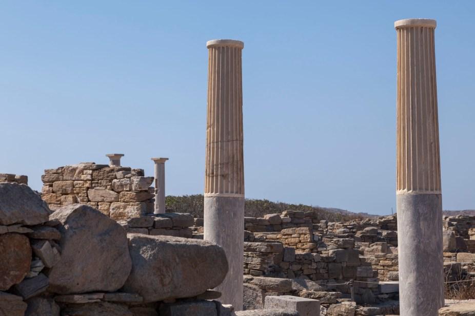 Delos Pillars