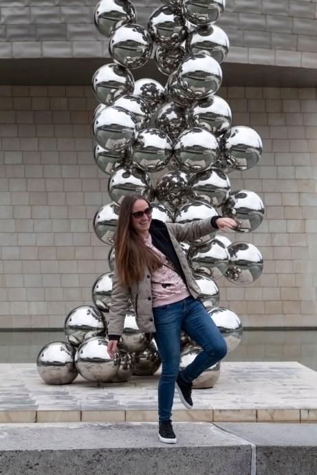 Guggenheim Museum Poser