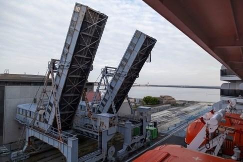 Cherbourg Port, Raised Bridges