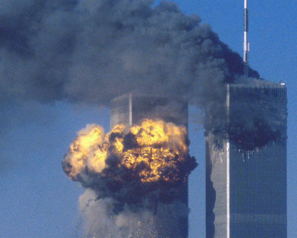 a former cia and civilian pilot has sworn an affidavit  stating that no planes flew into the twin towers