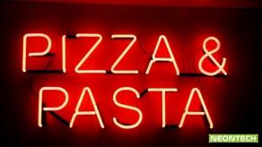 pizza&pasta неонова реклама