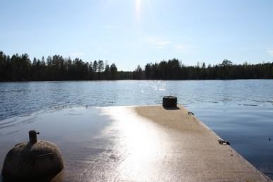 Bryggan med stort B. Helgjuten i betong så den behöver man inte oroa sig att isen tar med sig ;) Det var mycket vatten i år, vanligt vis är det några dm ner till vattenytan.