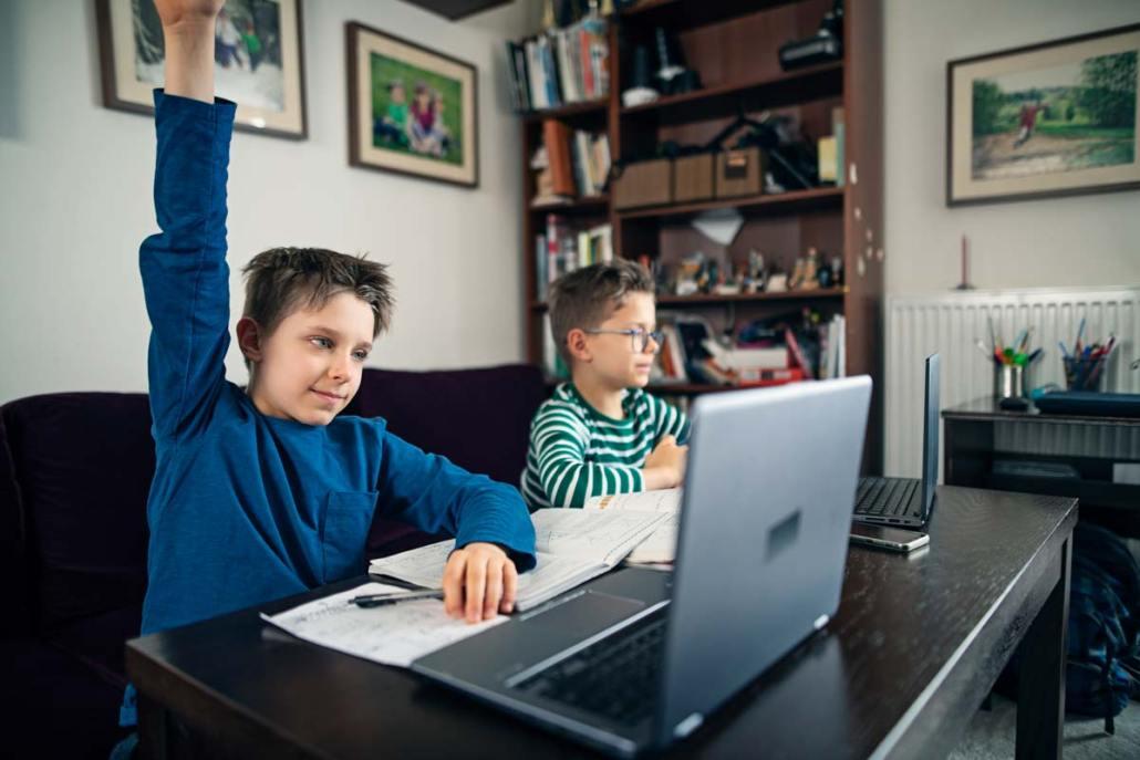 Homeschooling, miopia, affaticamento visivo ai tempi del coronavirus: controlliamo gli occhi dei nostri bambini