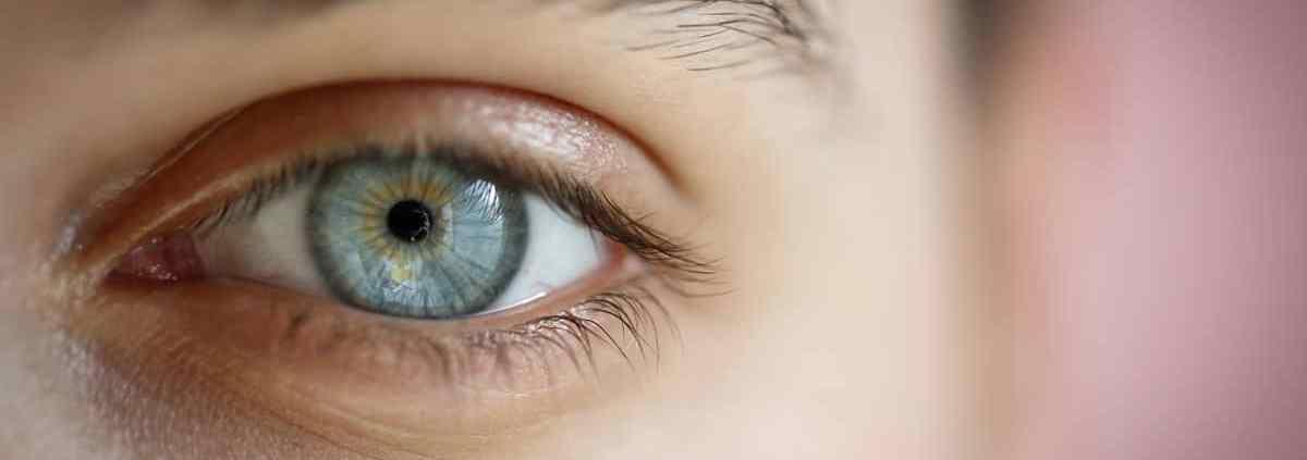 vedere senza occhiali, chirurgia refrattiva - Neovision Cliniche Oculistiche