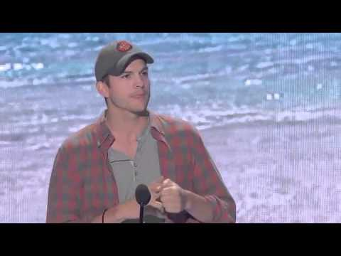 Ashton Kutcher's Awesome Speech at Teen Choice Awards 2013