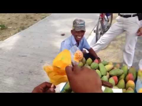 Summer Hacks: This Is How You Cut Mango Like A BOSS!