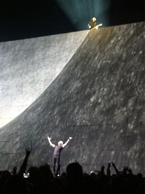 20110512_roger-waters-gilmour-wall-london-o2.jpg