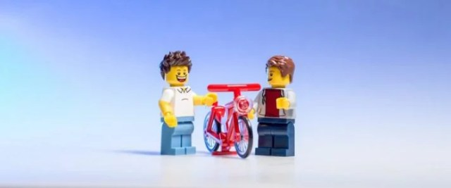 Two Legos about to workout together.