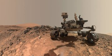 After a year of shutdown, Curiosity digs again on Mars