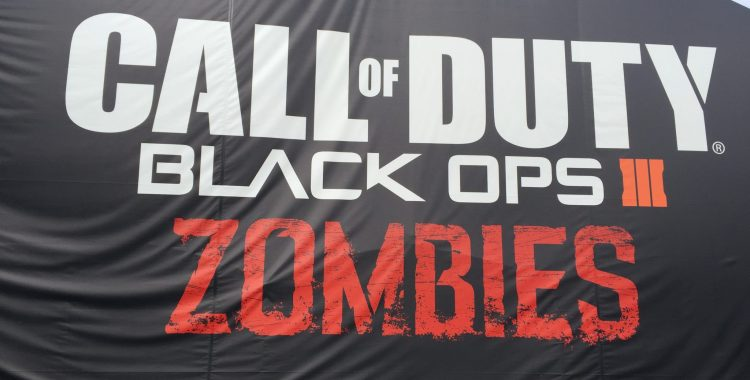 SDCC 2015: Call of Duty: Black Ops III Zombies Escape the Room Challenge!