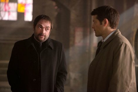 """Cas turns to Crowley for help in """"Brother's Keeper"""" [Diyah Pera/The CW]"""