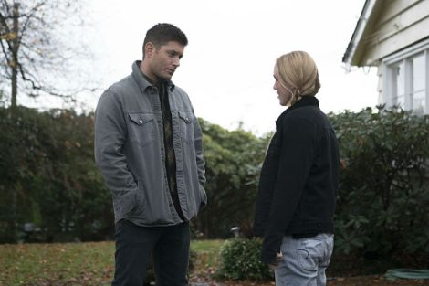 Dean dishes out a little fatherly advice (Source: Katie Yu/The CW)