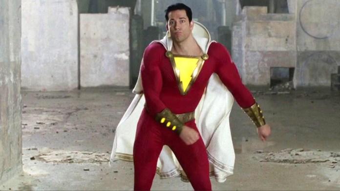 Shazam!: il supereroe DC entra in azione nel nuovo video