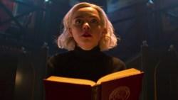 Le Terrificanti avventure di Sabrina: rilasciato il poster in stile Got