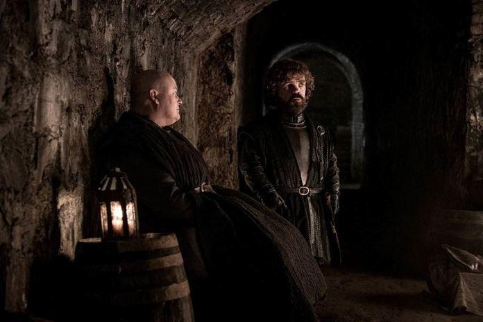 Varys e Tyrion nelle cripte di Grande Inverno