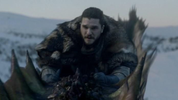 Jon Snow cavalca Rhaegal  (Credits: HBO)
