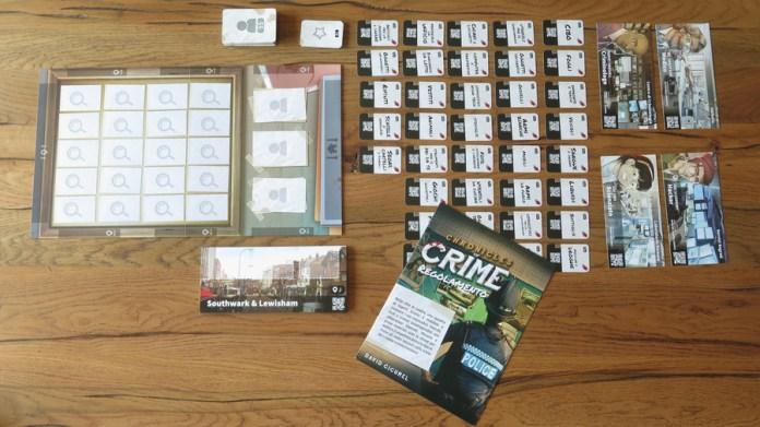 Chronicles of Crime, setup. Plancia delle Prove, Carte Prova, Plance Contatto Forense, Plance Luogo, regolamento