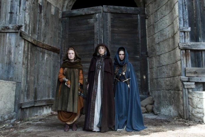Luna nera,  serie tv italiana sulle streghe nell'italia del 17esimo secolo, basata su un romanzo di Tiziana Triana.