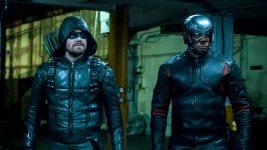 Arrow 8: David Ramsey parla del rapporto tra Oliver e Diggle nell'ultima stagione