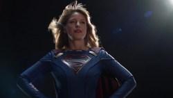 Supergirl 5: le foto tratte dalla première ci mostrano meglio il nuovo costume