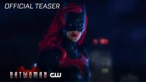 Batwoman: un nuovo teaser trailer ed una nuova immagine di Red Alice
