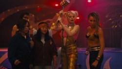 Warner Bros. rilascia il trailer di Birds of Prey (e la fantasmagorica rinascita di Harley Quinn) in uscita il 6 febbraio