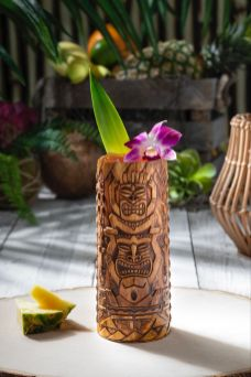 Isla Nu Bar Tiki Cup. Image courtesy of Universal Studios Hollywood.
