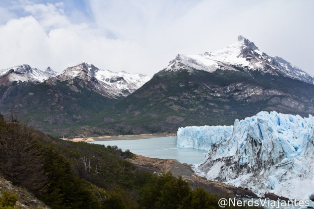 Brazo Rico e montanhas perto do glaciar Perito Moreno