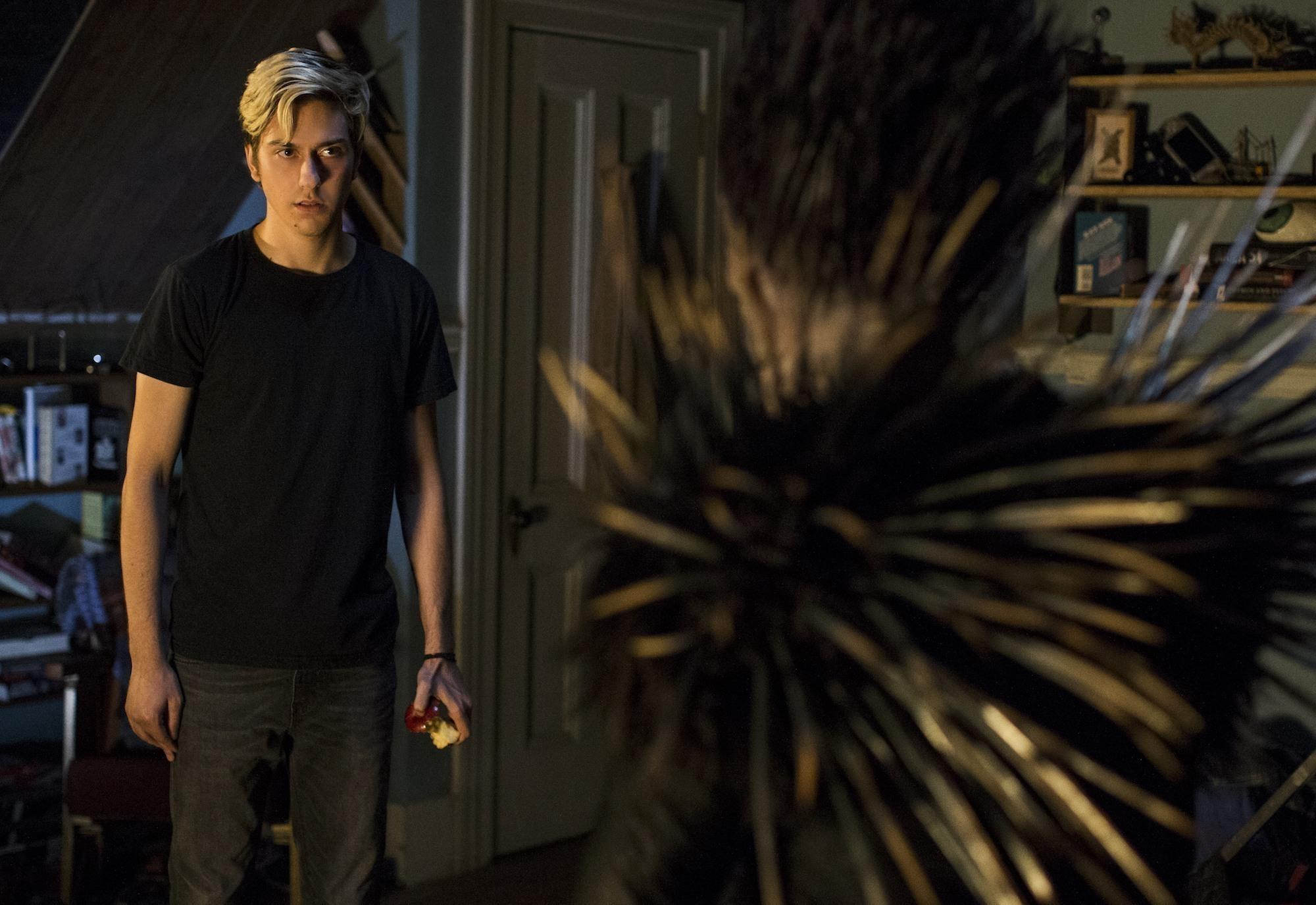 Light e Mia nos novos pôsteres da adaptação de Death Note