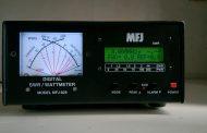 MFJ 828 Digital SWR / Wattmeter