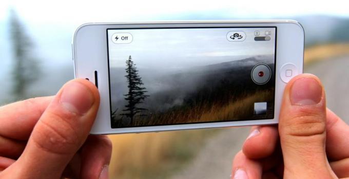Cara Menyembunyikan Foto Video dari Camera Roll di iPhone