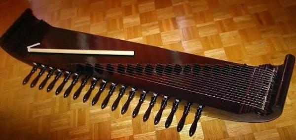 alat musik daerah Kecapi